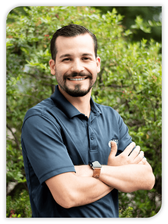 Chiropractor Oakland NJ Raymond Lopez